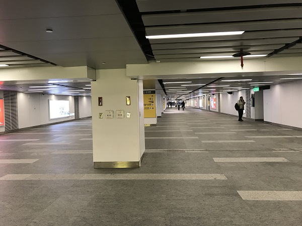 台北駅通路