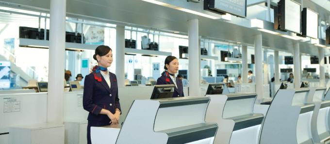 JALカード JAL CLUB ESTはビジネスクラス・チェックインカウンターを利用できる