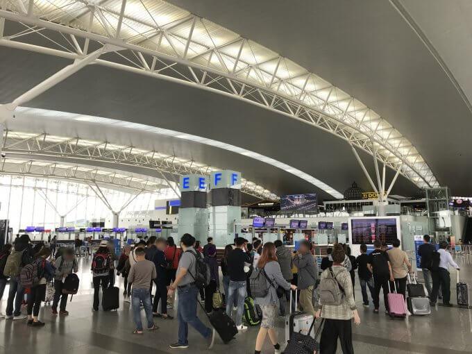 復路ノイバイ国際空港に戻って来ました