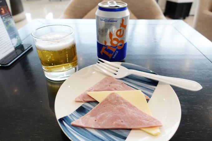 SONG HONGビジネスラウンジで食べた物の写真