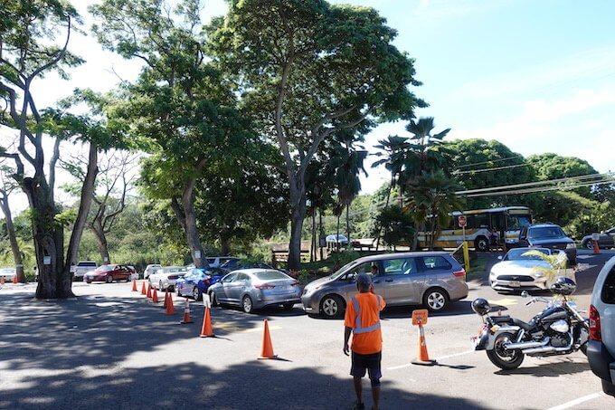 ハレイワのジョバンニの駐車スペース