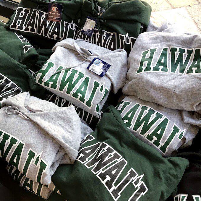ハワイ大学のロゴ入りオリジナルデザインパーカー