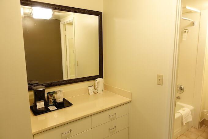シェラトン・ワイキキのマリア・オーシャンフロント・スイートのバスルーム